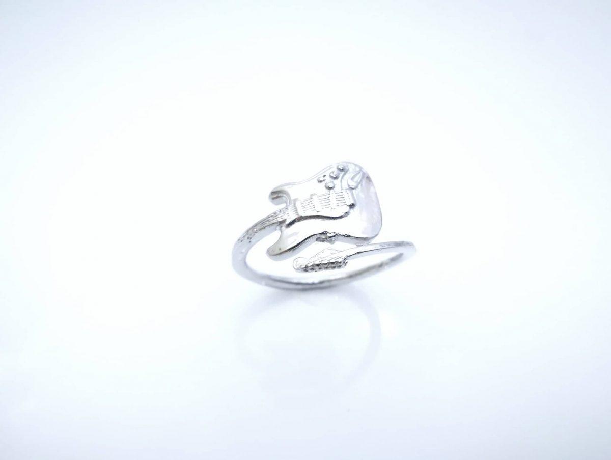 Frederiko srebrni prsten Gitara