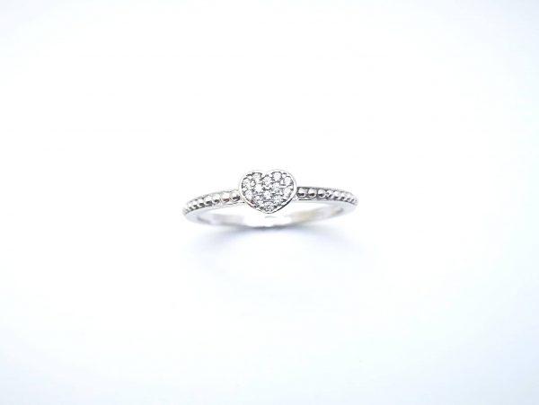Srebrno srce prsten