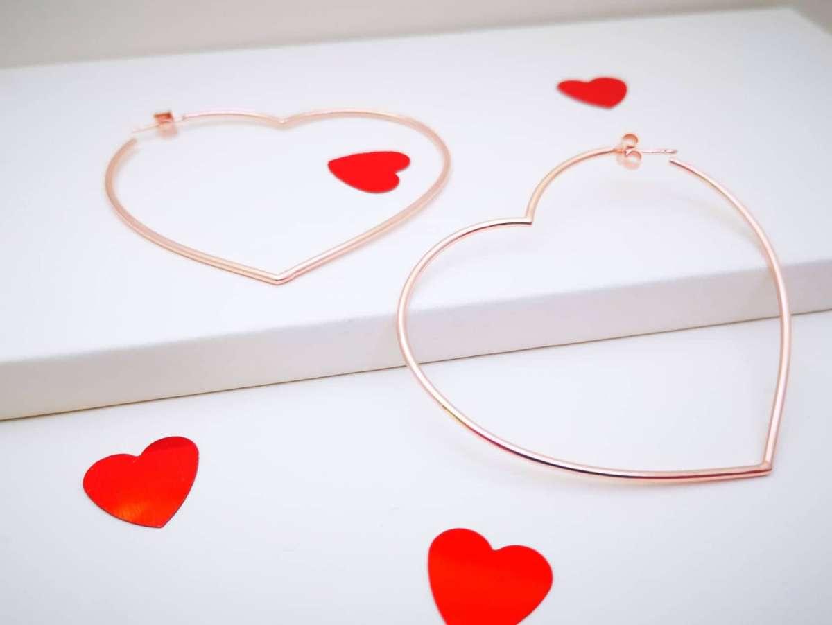 Srca otvorene srebrne naušnice rose