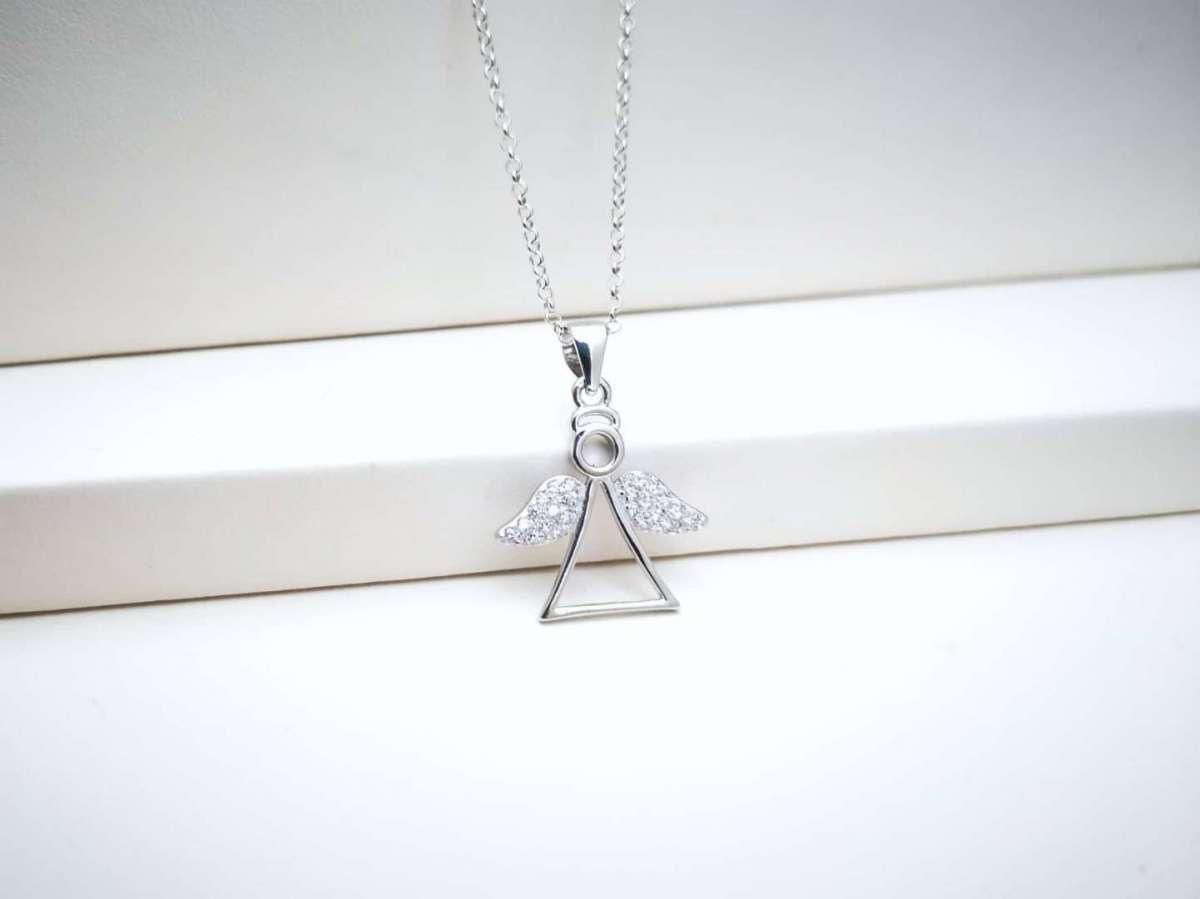 Anđeoska srebrna ogrlica