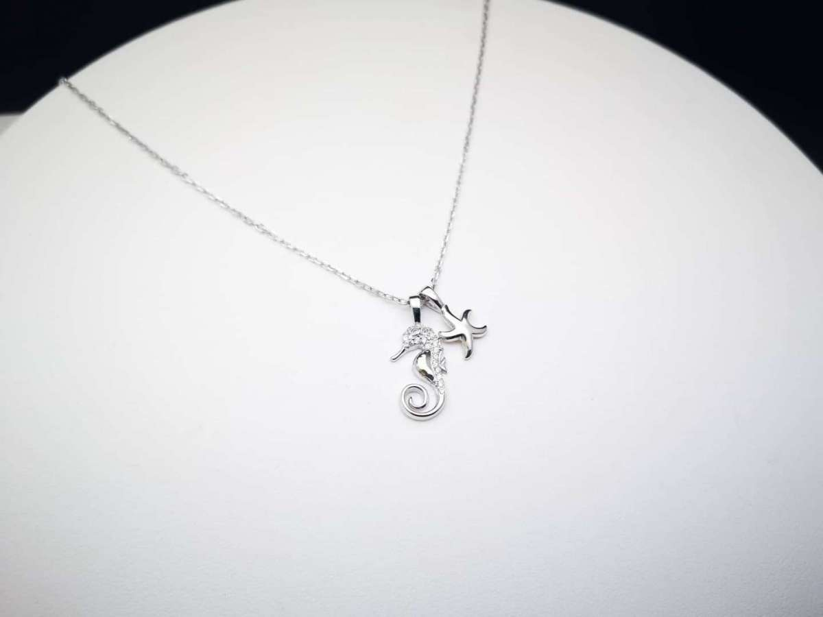 Seahorses srebrna ogrlica