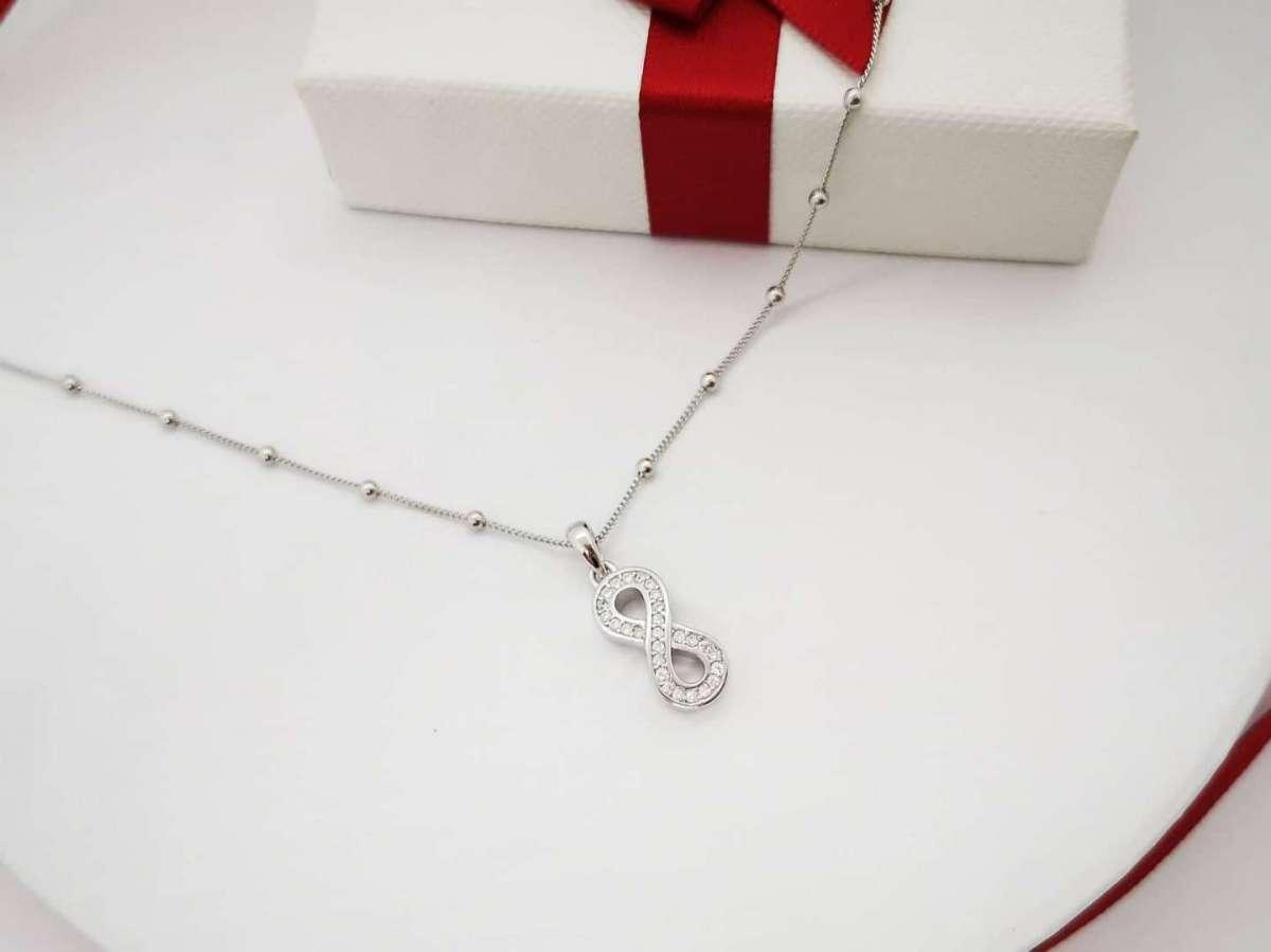 Infinity love srebrna ogrlica