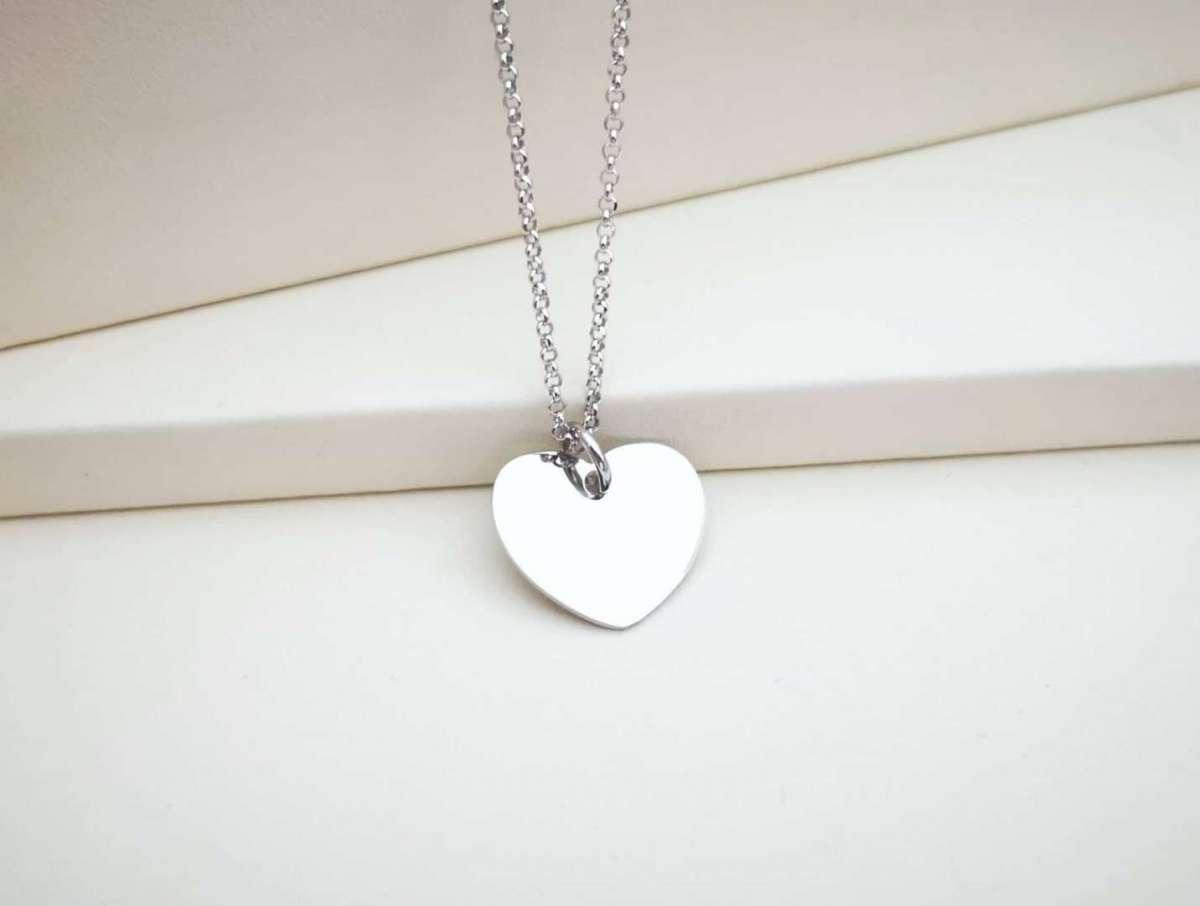 Medaljica srca srebrna ogrlica