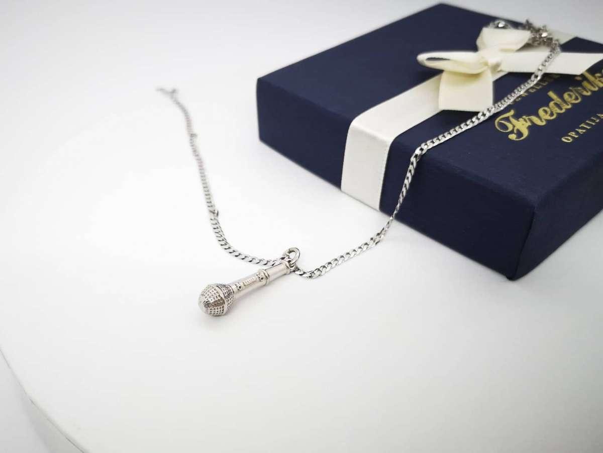 Mikrofon srebrna ogrlica