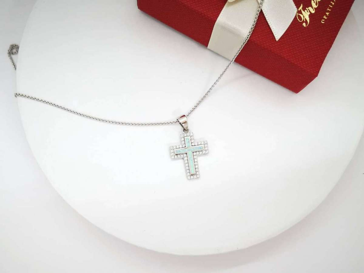 Opal cross srebrna ogrlica