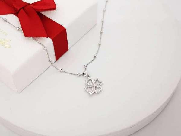 Djetelina srca srebrna ogrlica