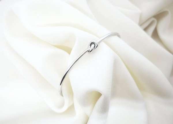 Love knot srebrna narukvica