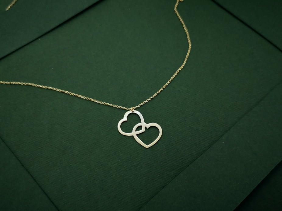 Zlatna ogrlica dva srca