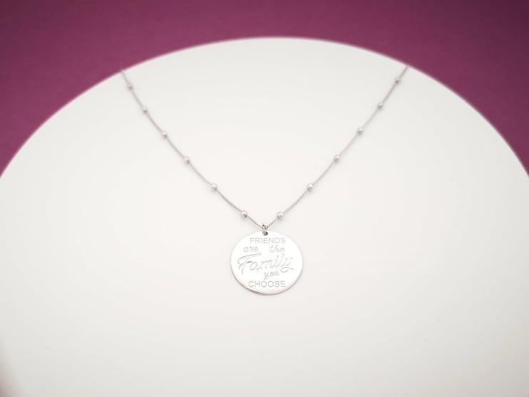 Friends srebrna ogrlica medaljon