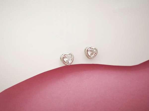Srebrne naušnice Srca cirkon