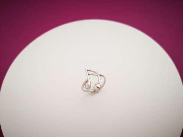 Nota srebrni prsten