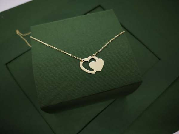 Dva srca zlatna ogrlica