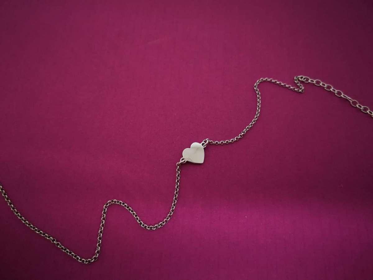 Srebrna nanognica srce