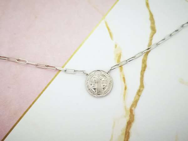 Medaljon Benedikt srebrna ogrlica